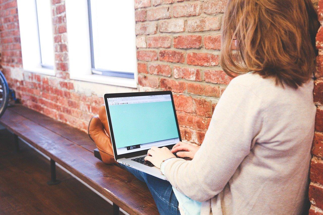 Na co zwrócić uwagę robiąc zakupy w aptekach internetowych?