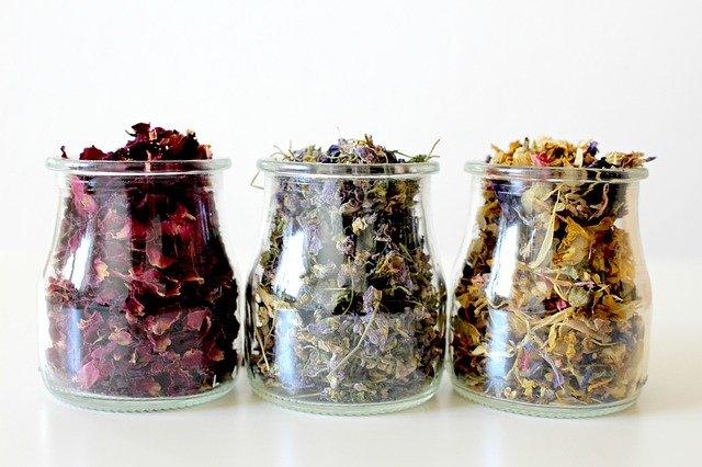 Jak przechowywać zioła lecznicze?