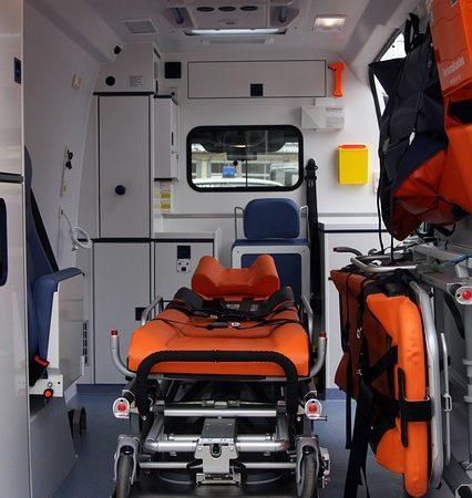 Czym jest usługa prywatnego transportu medycznego?